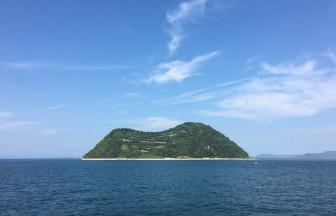 興居島のとなりの釣島(つるしま)です。