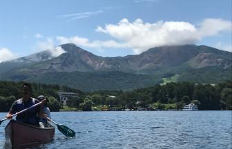 磐梯山を望めるキャンプ場でカヌー体験