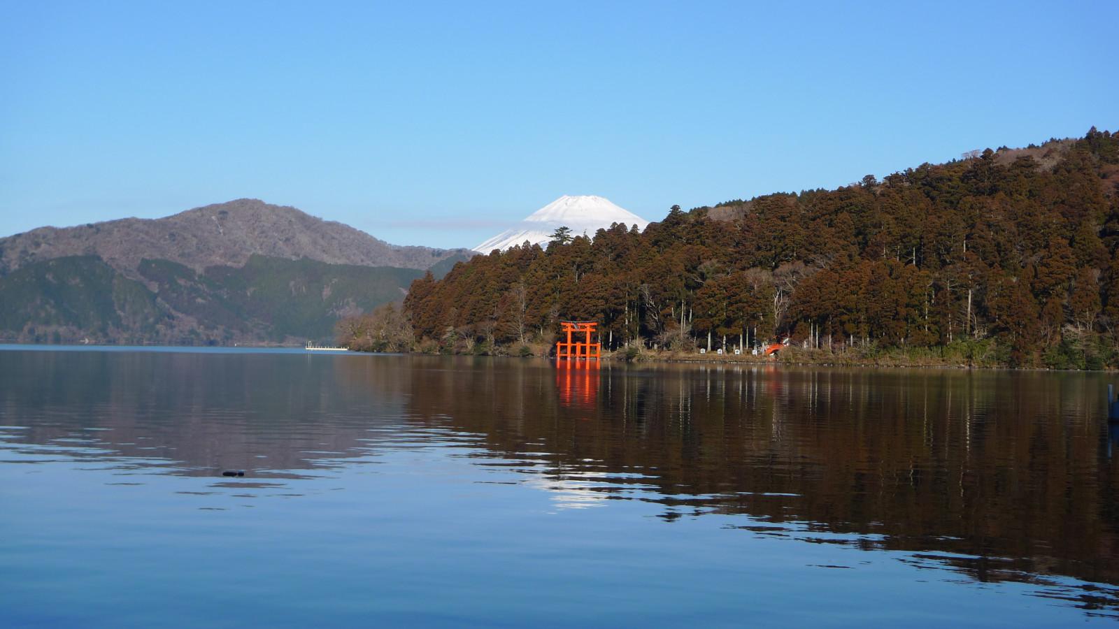 荘厳な空気が満ちる箱根神社で運気を上げる!